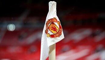 Les compétitions suspendues, trois matchs reportés pour Manchester United