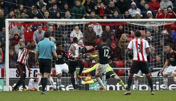 Report : Sunderland 2 United 1