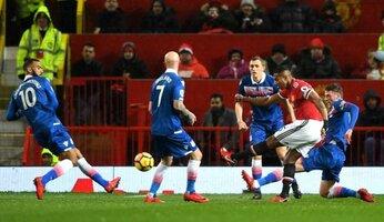 United 3 Stoke 0 : presque sans forcer