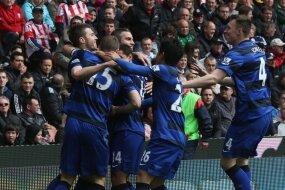 Report : Stoke 0 United 2