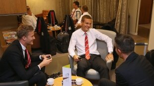 Le groupe contre l'AIK