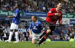 Report : Everton 2 United 4