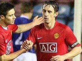 Neville rejoue... et marque !