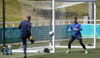 Dean Henderson forfait pour l'Euro, Diogo Dalot appelé avec le Portugal