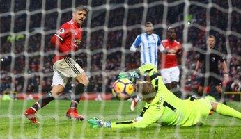 United 2 Huddersfield 0 : United réagit après Wembley